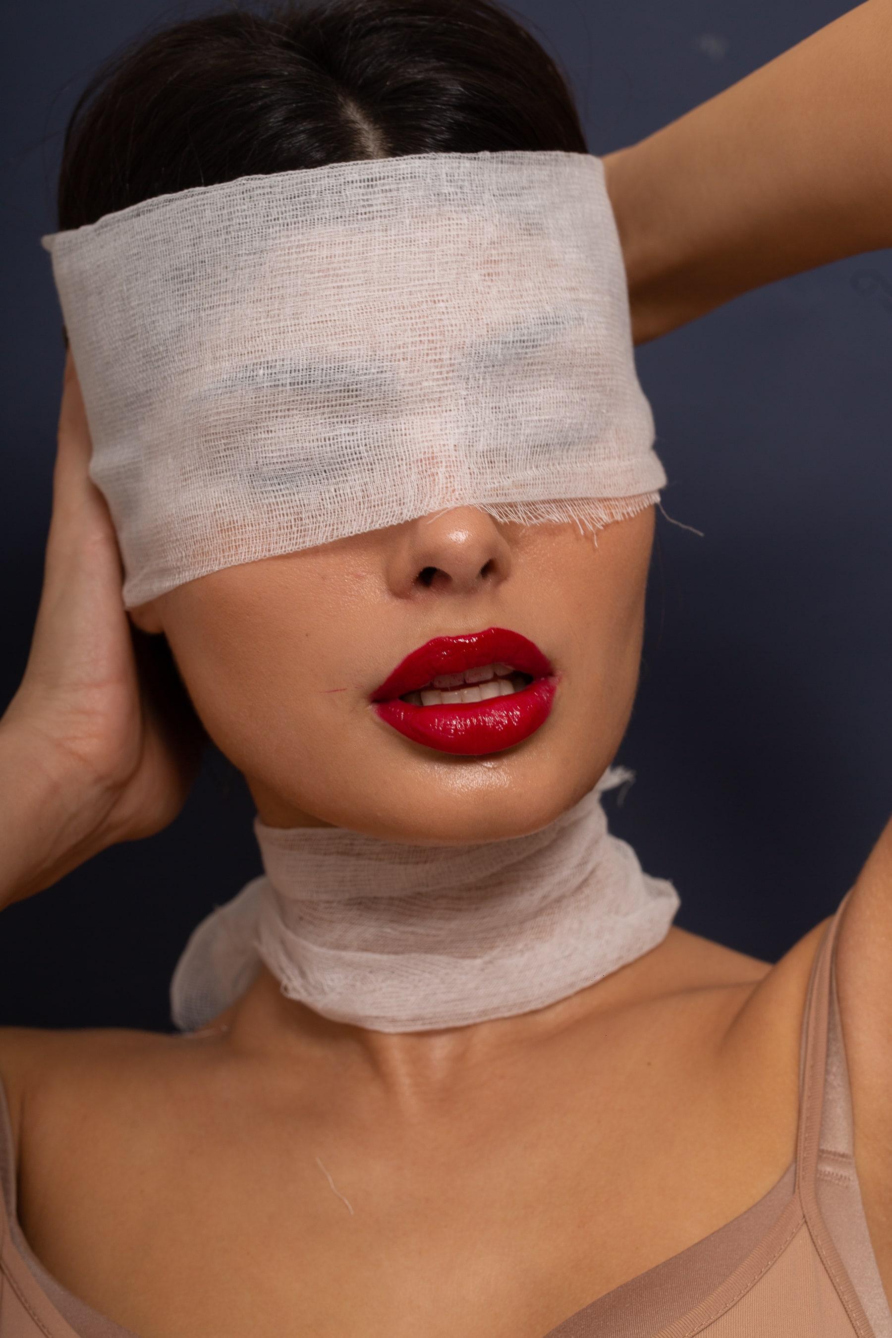 PRP Drakula tretman ili uvecavanje usana ili hijaluronski fileri-min
